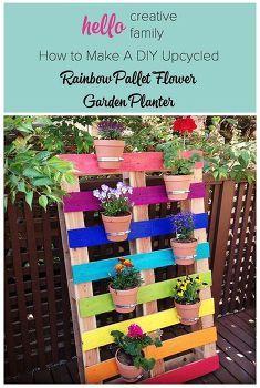 bricolaje jardín arco iris palet upcycled flor, jardinería en macetas, flores, jardinería, paleta, upcycling reutilización, bricolaje Upcycled Pallet Rainbow Flower Garden