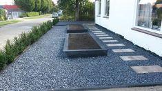 Trendy Landscaping With Rocks Front Yard Pots Ideas - Modern Wooden Garden Edging, Garden Pavers, Paver Walkway, Landscaping With Rocks, Front Yard Landscaping, Yard Drainage, Garden Styles, Garden Design, Backyard