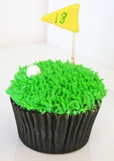For your favorite golfer...a cupcake.  Don't forget your Dune Jewelry cufflinks made from your favorite beach sand or golf course!  www.dunejewelry.com