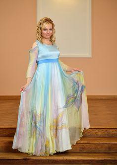 07cc9cd3a1 Společenské hedvábné šaty pro duhovou bohyni (na zakázku)