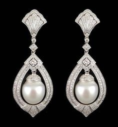 white gold diamond and pearl earrings. Bijoux Art Deco, Art Deco Jewelry, High Jewelry, Pearl Jewelry, Diamond Jewelry, Antique Jewelry, Vintage Jewelry, Jewelry Design, Pearl Earrings