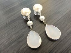 2g Wedding Gauges 0g Dangle Plugs Pearl Bridal by PrettyVagrant