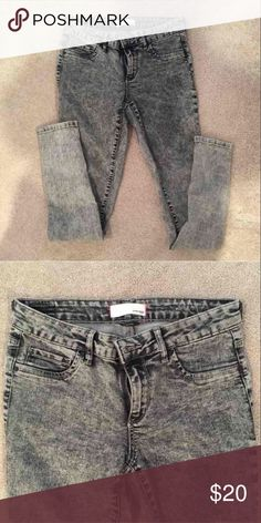 Garage Ash Gray Skinny Jeggings High waisted skinny jeans high waisted purchased from Garage. Only worn a few times.. In perfect condition! Such stretchy and comfortable material  Size 7  Similar to American eagle, Abercrombie, Hollister, PacSun Garage Jeans
