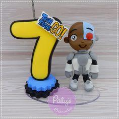 Topinho com vela Ciborgue - Jovens Titãs em Ação | Paty s Biscuit | Elo7