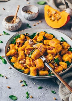Easy pillowy soft crispy homemade vegan Pumpkin Gnocchi Recipe with 4 ingredients + step-by-step guide how to make Italian potato dumplings from scratch! Vegan Pumpkin, Pumpkin Recipes, Fall Recipes, Dinner Recipes, Vegetarian Recipes, Cooking Recipes, Healthy Recipes, Vegan Ravioli, How To Cook Gnocchi