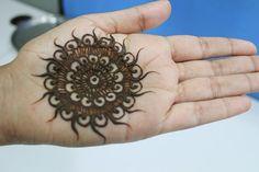 Bridal Mehndi Designs-4.-The-Central-Design
