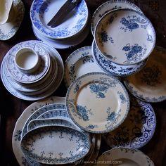 Assiettes anciennes style Bleu