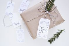 Holly Holiday printable gift tags / Artwork by Julianna Swaney