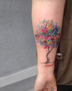 A small tree I did last week :) the colors looked super bright on her ^^…