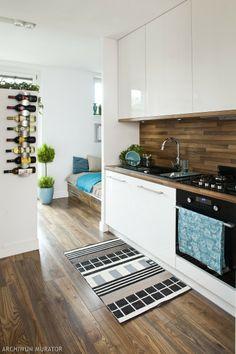 Kuchnia w bieli i drewnie to idealne rozwiązanie dla tych, którzy lubią stonowane kolory. Radzimy jak łączyć biel i drewno projektując kuchnię. Możliwości aranżacji kuchni w bieli i drewnie jest naprawdę mnóstwo. My pokażemy kilka z nich – ładnych i inspirujących.