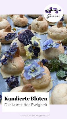 Die Kunst der Ewigkeit: Blüten für immer blühen lassen durch Pressen und oder Kandieren. Nach all den Monaten mit meinen blühenden Genüssen, habe ich wirklich erst vor kurzem herausgefunden, dass man Blüten kandieren kann. Klar, Früchte bzw. insbesondere Orangen waren mir geläufig, aber Blüten? Wie? Erfährt es auf meinem Blog. www.bluehender-genuss.at Gummi Arabicum, Breakfast, Blog, Baked Goods, Food Food, Edible Flowers, Meal, Morning Coffee, Blogging