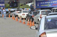 Dia de Liberdade de Impostos no DF tem gasolina a R$ 2,23 e carro R$ 13 mil abaixo do preço - http://noticiasembrasilia.com.br/noticias-distrito-federal-cidade-brasilia/2015/05/21/dia-de-liberdade-de-impostos-no-df-tem-gasolina-a-r-223-e-carro-r-13-mil-abaixo-do-preco/