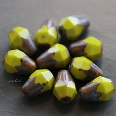 ✿Please read my shop announcement for upcoming shipping days, thank you!!!✿  ♥Love these tiny little beads.... Chartreuse base glass with an earthy Picasso finish, smooth top, bottom faceted teardrop beads. Chartreuse Picasso Dropettes No. 1......  Q u a n t i t y :: 10 beads  S i z e :: approx. 8x6mm, {1/4 inch = 6.35 mm}  H o l e . S i z e :: less than 1mm  C u t / s h a p e :: faceted teardrop/pear, pressed glass  F i n i s h :: earthy Picasso O r i g i n :: Czech Republic  ✿I TAKE MY…