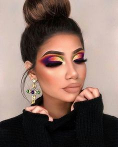 In this article, we have collected 70 of the most gorgeous makeup looks, each of which is very dramatic. You can learn to imitate them for a long time! Read on, hope you can get the most inspiration! Gorgeous Makeup, Love Makeup, Makeup Inspo, Makeup Inspiration, Makeup Shop, Eyeshadow Looks, Eyeshadow Makeup, Makeup Brushes, Kiss Makeup