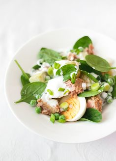 Warm potato, peas and chili tuna salad with greek yogurt and lemon dressing.