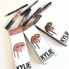 Lip Kit By Kylie ~ Liquid Lipsticks & Lip Liners! Kylie Jenner Lip Kit, Kylie Lips, Expensive Makeup, Makeup Pallets, Kylie Cosmetic, Makeup Blog, Makeup Products, Beautiful Lips, Beautiful Images