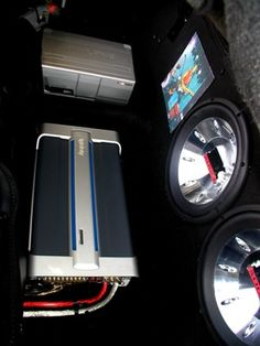 Stanley F seriously upgraded the audio in his wife's 1994 Mazda Miata with gear purchased from Crutchfield. #Alpine #Infinity #Dynamat #StreetWires #CarAudio #Mazda #Miata