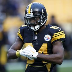 bd29ce05c27 Antonio Brown Traded to Raiders for Draft Picks, Reportedly to Get $50M  Contract