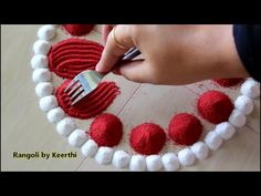 Simple rangoli design using fork & 2 colours l महालक्ष्मी साधी, सुंदर रांगोळी l rangoli by keerthi Rangoli Designs Simple Diwali, Rangoli Simple, Indian Rangoli Designs, Rangoli Designs Latest, Rangoli Designs Flower, Free Hand Rangoli Design, Rangoli Border Designs, Small Rangoli Design, Rangoli Patterns