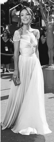 Olivia Wilde in that amazing Reem Acra dress we're all obsessed with on Pinterest