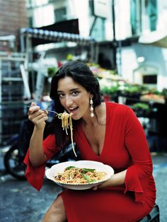 beautiful women brought to you by the nutritional benefits of pasta :) Italian Life, Italian Women, Italian Beauty, Italian Girls, Italian Style, Italian People, Spaghetti, All About Italy, Pasta