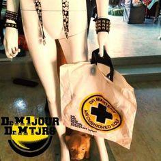 Dr Martens Vintage sac poche bag - Photo issue du Groupe Dr Martens https://www.facebook.com/groups/drmartensforever #drmartenstoujours #drmartenstoujours #drmartens #drmartenstyle #docmartens #drmartensoriginal #drmartensfrance #vintage #doc #docslife #docs4life #dr #martens #boots #cuir #dms #lifestyle #worndifferent #bootslover #drmartensfans