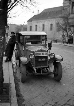1941 Taxi várakozik az Alagút utcában