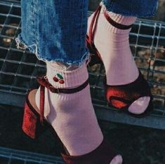 Sock Shoes, Cute Shoes, Me Too Shoes, Pretty Outfits, Cute Outfits, Socks Outfit, Looks Style, My Style, Diy Vetement