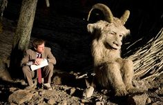 New Pix (BTS - spike jonze on where the wild things are set) has been published on Tremendous Pix