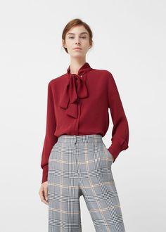 Blusa lazo cuello - Mujer | MANGO España