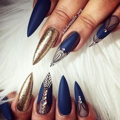 21 Trendiest Shellac Nails Designs You Will Be Obsessed With ★ Shellac Nails with Glitter Accents Picture 1 ★ See more: http://glaminati.com/shellac-nails/ #shellacnails ##shellacnaildesings