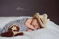 Hey, I found this really awesome Etsy listing at http://www.etsy.com/listing/161341682/crochet-baby-cowboy-hat-and-boots-set