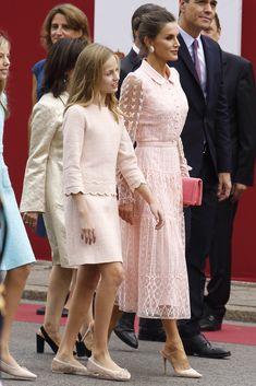 12 October 2019 - Spanish Royal Family attends Spain's National Day celebrations in Madrid - dress by Felipe Varela Royal Girls, Freakum Dress, Royal Clothing, Estilo Real, Spanish Royal Family, Power Dressing, Queen Letizia, Royal Fashion, Formal Gowns