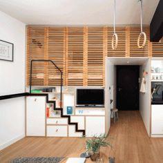 Een trap in- en uitschuiven. Een voorbeeld van optimaal ruimte benutten!