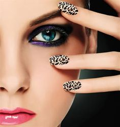 Black & white leopard print nail art