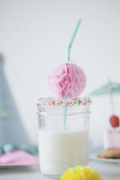 DIY honeycomb balls straw decorations - pale-violet.com