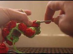 These lovely crochet strawberry backpacks are with the strawberry stitches. Here are how to you crochet strawberry stitches. All Free Crochet, Crochet Chart, Cute Crochet, Crochet Baby, Crochet Classes, Crochet Videos, Crochet Projects, Crochet Tutorials, Strawberry Color