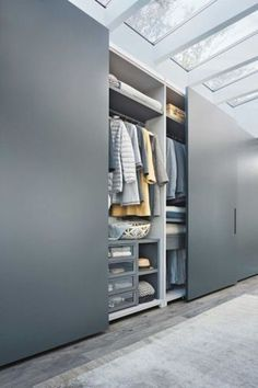 Built-in wardrobes offer convenience to many households. A built-in wardrobe saves up a lot of space and gives your home … Wardrobe Design Bedroom, Bedroom Furniture Design, Bedroom Wardrobe, Hall Wardrobe, Master Bedroom, Bedroom Cupboard Designs, Bedroom Cupboards, Bedroom Cupboard Doors, Walk In Closet Design