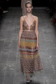 Valentino Fall 2016 Ready-to-Wear Fashion Show - Cecilie Moosgaard