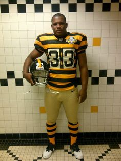 The Pittsburgh Steelers unveil throwback uniforms for 2012: http://bit.ly/HRWJwT
