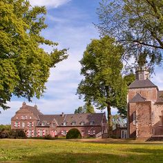 Schloss Hotel Hertefeld, a Castle, Country house property, located in Nordrhein-Westfalen, Germany Countryside Hotel, Country Retreats, House Property, Castles, Germany, Hotels, Europe, Mansions, Chic