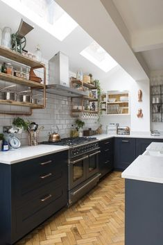 Real home: an open plan kitchen extension with industrial touches O. - Real home: an open plan kitchen extension with industrial touches Open-plan kitchen ex - Home Decor Kitchen, New Kitchen, Home Kitchens, Stylish Kitchen, Hidden Kitchen, Kitchen Paint, Green Kitchen, Decorating Kitchen, Open Plan Kitchen Living Room
