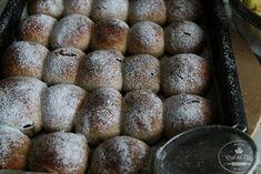 KVÁSKOVÉ BUCHTY vylepšené - Chuť od Naty: Foodblog o chutnom... Baguette, Muffin, Bread, Vegetables, Cooking, Breakfast, Food, Green Papaya Salad, Kitchen