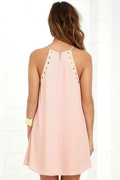 The grommet trend is here to stay thanks to the Amara Blush Swing Dress! This sleeveless, woven dress has gold grommet accents and a swing silhouette. Best Prom Dresses, Day Dresses, Dress Outfits, Evening Dresses, Short Dresses, Fashion Dresses, Summer Dresses, Short Graduation Dresses, Blush Dresses