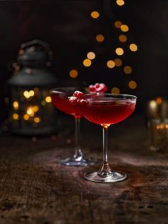 Holiday Cosmo: 2 parts Absolut Elyx 1 part Triple Sec 1.5 parts Mulled Spiced Cranberry Juice* 0.5 part Freshly Squeezed Lemon Juice Directions:  Combine ingredients together in a cocktail shaker over ice.Shake hard until ice cold. Strain into a chilled cocktail glass. Garnish with a string of red currants dusted with powdered sugar.