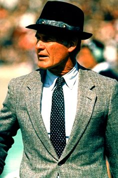 "Tom Landry, Head Coach of the Dallas Cowboys... "" A team that has character doesn't need stimulation"""