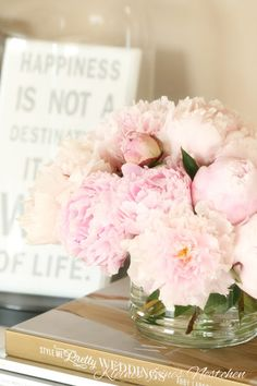 Flowers - my fav colour  - inspiration via blossomgraphicdesign.com #boutiquedesign