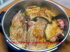 Κρασάτο χοιρινό με κρεμμύδια Pork, Chicken, Meat, Pork Roulade, Pigs, Buffalo Chicken, Cubs, Rooster