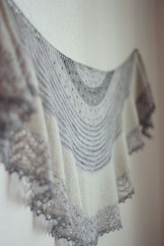 Ravelry: Project Gallery for 3 Color Cashmere Shawl pattern by Joji Locatelli