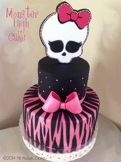 Monster High Cake 1